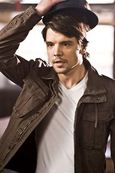 Andrew-Lee Potts in Alice. I still think he was the best Hatter there's been.