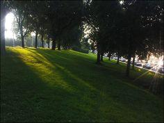 2. Licht- Strijklicht Zijlicht dat langs de vormen strijkt, waardoor grote licht/ donker verschillen ontstaan en de plasticiteit van de voorstelling optimaal is