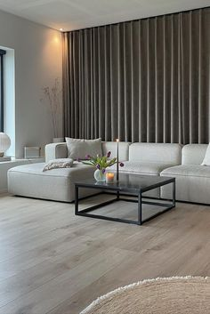 Dream Home Design, House Design, What Is Interior Design, Bedroom Built In Wardrobe, Modul Sofa, Simple Living Room, Apartment Interior, Home Decor Bedroom, Interior Architecture