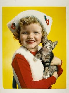 Fabulously sweet Christmas image from 1945. #Christmas #vintage #photo #1940s #forties #girl #children #cat #kitten #cute #magazine Crazy Cat Lady, Crazy Cats, Nickolas Muray, Cat People, Vintage Cat, Vintage Style, Retro Christmas, Vintage Children, Cat Day