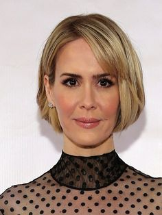 Sarah Paulson Bob - Sarah Paulson attended the Museum of the Moving Image tribute to Julianne Moore wearing a very cute bob. Over 40 Hairstyles, Bob Hairstyles With Bangs, Classy Hairstyles, Cool Short Hairstyles, Layered Bob Hairstyles, Modern Hairstyles, Short Hairstyles For Women, Short Hair Styles, Bob Haircuts