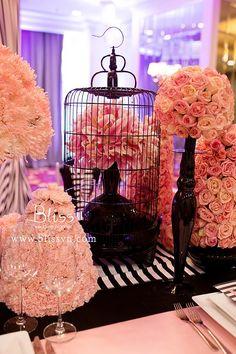 Exclusive Glow - Bliss Wedding Planner  #wedding #weddingplanner #weddingplannervietnam #vietnamweddingplanner #blissweddingplanner #blackwedding #whitewedding #pinkwedding #weddingideas