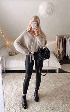 Basic Outfits, Winter Fashion Outfits, Girly Outfits, Cute Casual Outfits, Stylish Outfits, Fall Outfits, Mein Style, Ideias Fashion, Shirts