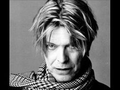 David Bowie - Cat People - YouTube