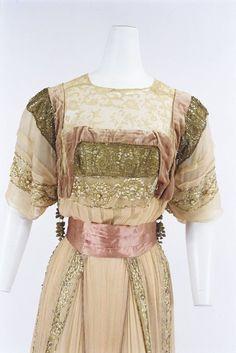 Callot Soeurs evening dress, 1908 From the Bunka Gakuen Costume Museum
