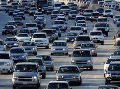 Emniyet Genel Müdürlüğünce, geçen yıl meydana gelen trafik kazalarının yüzde 83,5'inin açık hava şartlarında olduğu belirtilerek, sürücülere yaz aylarında daha dikkatli olmaları yönünde uyarıda bulunuldu. Emniyet Genel Müdürlüğünün sosyal paylaşım sitesi Twitter hesabından yapılan paylaşımda, geçen yıl trafik
