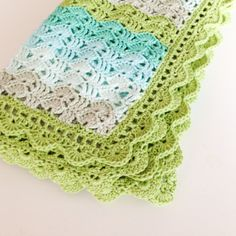 love the colors of this baby blanket
