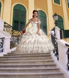 Romy Schneider als Sissi Beautiful Costumes, Beautiful Gowns, Sissi Film, Empress Sissi, Fairytale Gown, Princess Aesthetic, Jolie Photo, Vintage Hollywood, Mannequins