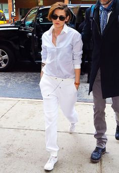 Kristen Stewart wore an all-white outfit with her white sneakers