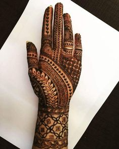 Here are the best and stylish Party Mehndi Design, make your hands beautiful and gorgeous by creating these mehndi designs. Basic Mehndi Designs, Latest Bridal Mehndi Designs, Henna Art Designs, Mehndi Designs 2018, Mehndi Designs For Beginners, Mehndi Designs For Girls, Mehndi Design Photos, Mehndi Designs For Fingers, New Bridal Mehndi Designs