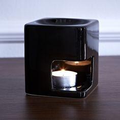 Brûle - parfum  http://www.zodio.fr/idees-deco/woodhouse-22/piece/le-salon.html