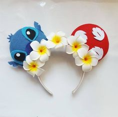 Lilo and Stitch inspired ears made with felt and foam Hawaiian plumarias. Keep in mind, all ears will differ slightly. Turnaround for all ears is days plus shipping days. Unless told otherwise. Plan ahead (: I only ship within the United Sta Disney Diy, Diy Disney Ears, Disney Mouse Ears, Disney Mickey Ears, Disney Crafts, Cute Disney, Disney Trips, Minnie Mouse, Disney 2017