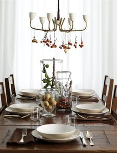 Thanksgiving Decorating Ideas: Dining Table #thanksgiving #decorating #fall