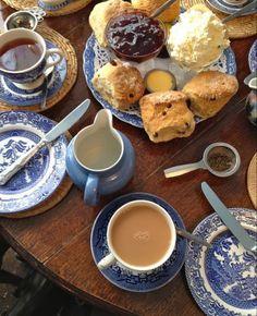 Comida Picnic, Good Food, Yummy Food, Think Food, Aesthetic Food, Afternoon Tea, Tea Time, Cravings, Food Photography