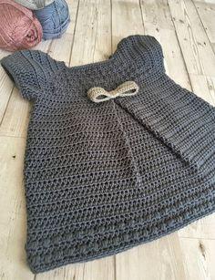 Crochet Baby Dress Free Pattern, Boy Crochet Patterns, Baby Dress Patterns, Baby Girl Crochet, Crochet Baby Clothes, Crochet For Boys, Crochet Toddler Dress, Skirt Patterns, Coat Patterns