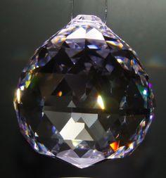 Kristal geslepen, naam Sun 20 mm €7,95                                      Sun 30 mm €10,20                                      Sun 40 mm €17,95                                      Sun 50 mm €34,95 exclusief verzend kosten.
