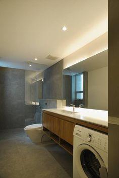 V&L Apartment - a clean, modern bathroom interior. desain interior kamar mandi modern