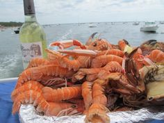 Seafood w/white Bordeaux.