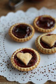 Marian pieni leipomo: Jam tarts Jam Tarts, Cheesecake, Pie, Cakes, Baking, Desserts, Food, Cheesecake Cake, Torte