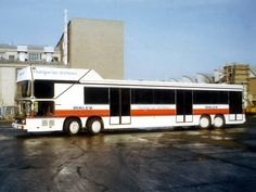 Malev Hungarian Airlines Ikarus 692 airport transfer bus (autowp.ru)
