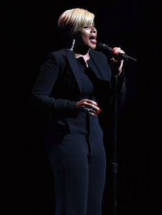"Mary J. Blige gives the audience a taste of what they came for at the world premiere of the documentary ""Mary J. Blige: The London Sessions"" at the Tribeca Film Festival.  Cindy Ord, Getty Images for the 2015 Tribeca Film Festival"