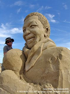 Nelson Mandela sand sculpture by Oscar Rodriguez ... photo by sculpture grrrl, via Flickr