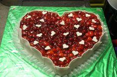 Erdbeer-Herz-Torte - http://www.riessersee.com/hochzeiten/