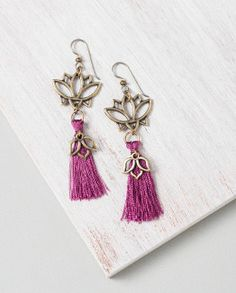 Lotus Blossom Earrings idea with TierraCast Lg Open Lotus Links and Sm Open Lotus Charm. Design by Katie Hill for TierraCast. Tassel Jewelry, Statement Jewelry, Diy Jewelry, Jewelry Ideas, Katie Hill, Beads Direct, Beading Tools, Angel Wing Earrings, Beaded Jewelry Designs
