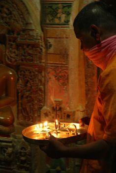 Jain temple in Jaisalmer (India) | Dans le temple jaïn de Jaisalmer (Inde) | Templo Jain en Jaisalmer (India)