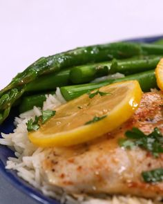 This easy lemon chicken recipe is one of our most popular main dish chicken recipes. With simple flavor additions that don't overpower the dish, the natural flavor of the chicken is allowed to shine. chicken recipes Most Popular Weeknight Lemon Chicken Easy Lemon Chicken Recipe, Chicken Recipes Video, Easy Chicken Dishes, Fish Recipes, Simple Chicken Recipes, Lemon Chicken With Asparagus, Shrimp Recipes, Pasta Recipes, Soup Recipes