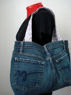 Jeans into bag, recycle, upcycle, denim, purse, #DIY, crafting idea