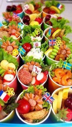 運動会♡紙コップ弁当 Bo Bun, Food Kiosk, Rainbow Food, Snack Bowls, Bento Recipes, Picnic Foods, Recipes From Heaven, Food Packaging, Cute Food
