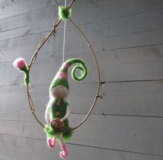 SCHNECKENKIND Filzfigur Filz Fensterdeko von by ElseWira auf DaWanda.com