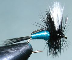 Blowfly Humpy trout fly