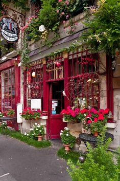 Au Vieux Paris d'Arcole, Paris, France | Ruggero Poggianella, on Flickr.