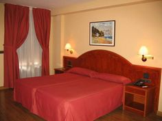 Hotel El Nogal (***)  SAMI BEN HEDI DILIO has just reviewed the hotel Hotel El Nogal in Valladolid - Spain #Hotel #Valladolid  http://www.cooneelee.com/en/hotel/Spain/Valladolid/Hotel-El-Nogal/10556