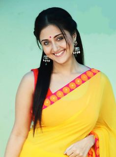 News, gossips, intro, info of Bollywood and South Indian cinema. It is all about hot and sexy actresses, celebrities and models Beautiful Girl Indian, Beautiful Saree, Beautiful Indian Actress, Beautiful Women, Swastika Mukherjee, Desi Girl Image, Kurti Sleeves Design, Aunty In Saree, Most Beautiful Faces
