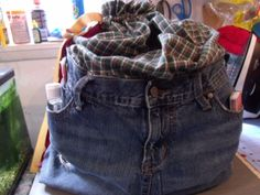 Picnic tote bag,  Pic #1, used old jeans, to make a strong bottom in the bag I used a 9X13 cookie sheet in the next on I will use a 9X19 cake pan.