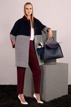 Fendi Pre-Fall 2014 Fashion Show - Elisabeth Erm Foto Fashion, Fashion Show, Fashion Outfits, Womens Fashion, Fashion Design, Runway Fashion, Luxury Fashion, Fendi, Fall Collection