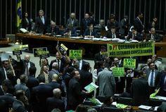 Brasil, Câmara aprova PEC dos Gastos Públicos. O Plenário da Câmara aprovou hoje (10), por 366 votos a 111 e duas abstenções, a Proposta de Emenda à...