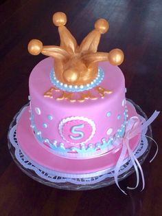 A birthday cake for a sweet little Princess!