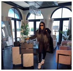 Boujee Lifestyle, Wealthy Lifestyle, Luxury Lifestyle Fashion, Bougie Black Girl, Luxury Girl, Black Luxury, Luxe Life, Black Girl Aesthetic, Aesthetic Outfit