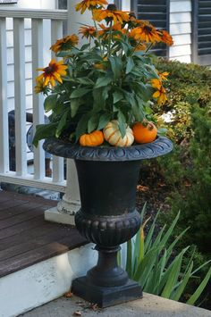 Celebrating Fall @ Casa del Empty Nesters - Preppy Empty Nester F Fall Containers, Succulent Containers, Diy Halloween Decorations, Fall Decorations, Pot Jardin, Fall Planters, Garden Planters, Pot Plante, Container Gardening Vegetables