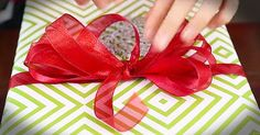 How to make your own bows for that perfect gift