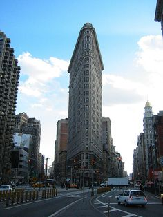 View Of Flatiron Building From The Front -- New York Pictures