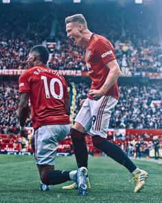 Manchester United Wallpaper, Manchester United Players, Captain America Wallpaper, Marcus Rashford, Soccer Stars, Football Pictures, Man United, Perfect Photo, Football Players