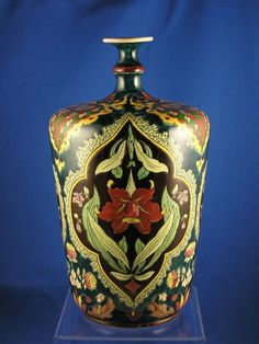 "Royal Bonn Germany Art Nouveau ""Old Dutch"" Lily Design Vase (c.1890-1923)"