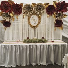 Ideas Wedding Backdrop Flowers Diy For 2019 Quince Decorations, Quinceanera Decorations, Diy Wedding Decorations, Paper Decorations, Quinceanera Party, Giant Paper Flowers, Paper Roses, Diy Wedding Flowers, Wedding Paper