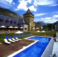©Parador de Artíes (Artíes, Spain)    #travel #ski #mountain #hotel Hotel Trivago, Ski Holidays, Santa Maria, Places To See, Skiing, Mansions, House Styles, Outdoor Decor, Hotels