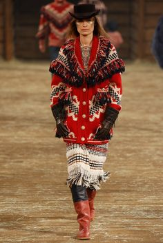 Chanel Pre-Fall 2014 Fashion Show - Caroline de Maigret